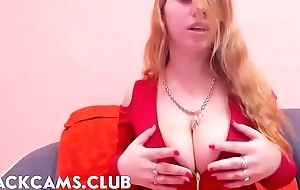 Amazing Cleavage Big Tits Slim Teen