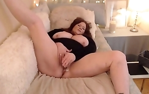 Mature BBW with creamy pussy