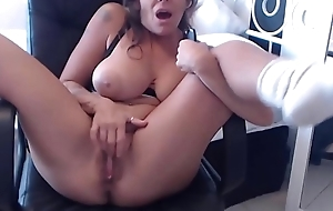 Sexy housewife with simple curves