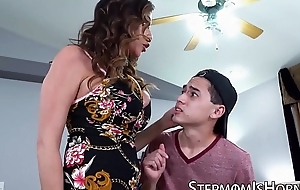 Cockhungry Ariella Ferrera penetrated apart from stepson