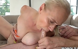 Mom with long nails rides a big dick