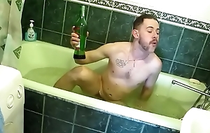 Naked man in bathtub https://nakedguyz.blogspot.com