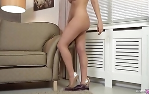 Gold Babe Dixie Love Has Amazing Tits