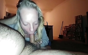 Clip Blonde Cheating With The brush Mouth